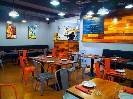 QQ asian kitchen, Praha: Přečtěte si 5 objektivních recenzí zařízení QQ asian kitchen, které bylo na webu TripAdvisor ohodnocené známkou 5 z 5 a zaujímá 1531 pozicí z 5756 restaurací v Praze.