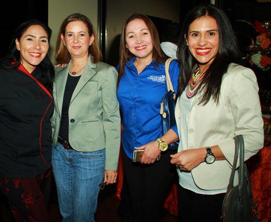 El abogado de inmigración Héctor López inauguró su moderna sede - El Venezolano de Houston