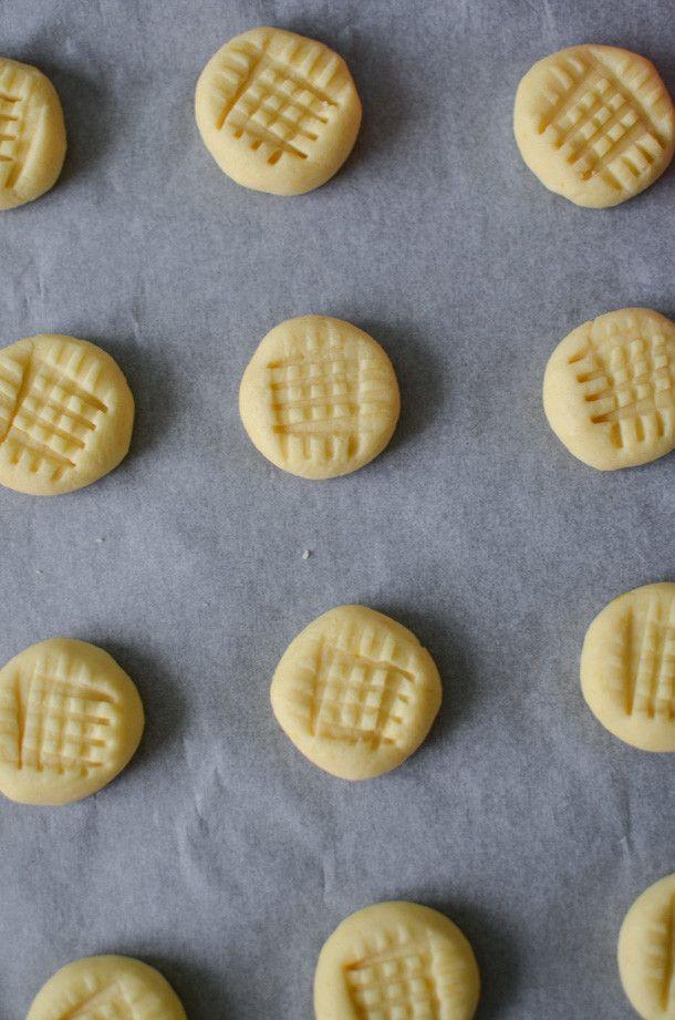 Lemon Butter Cookies | Cookie Recipe | Lemon Recipe | ateaspoonofhappiness.com