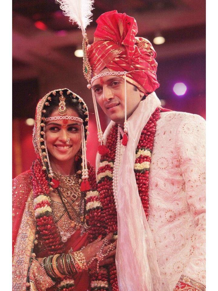 Genelia and Ritesh in their wedding! - www.shaadiekhas.com