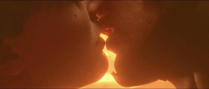 L'esplosivo bacio tra Gufo Notturno e  Spettro di Seta 2