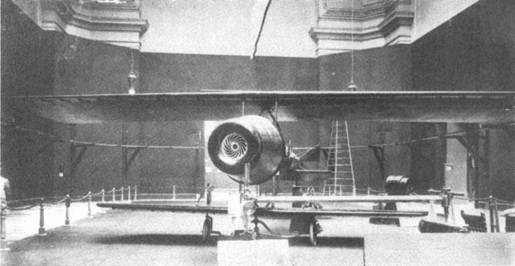 Coanda-1910 (Primul planor cu reactie)