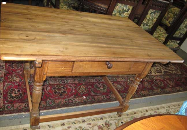Vintage Kitchen Tables for Sale | kitchen-table-in-fruitwood-1