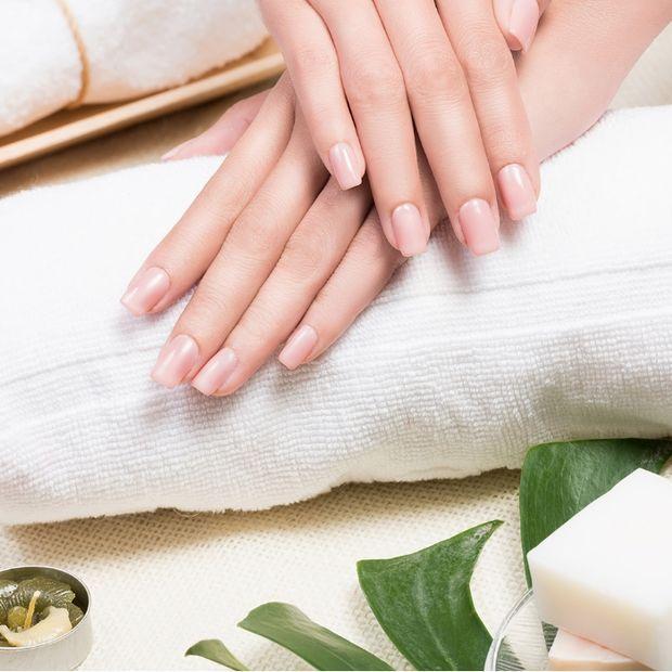 Το μυστικό για όμορφα και δυνατά νύχια σε 2 εβδομάδες!