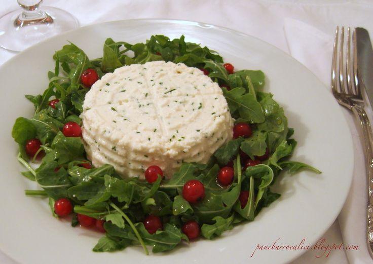 Pane, burro e alici: Ricottina (fatta in casa!) all'erba cipollina con insalata di rucola e ribes al miele di bosco