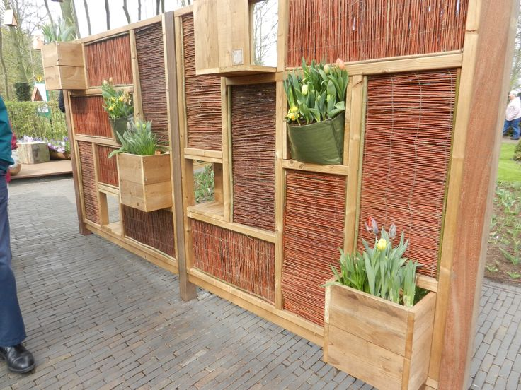 10 best privacy screen images on pinterest outdoor for Screening walls for gardens