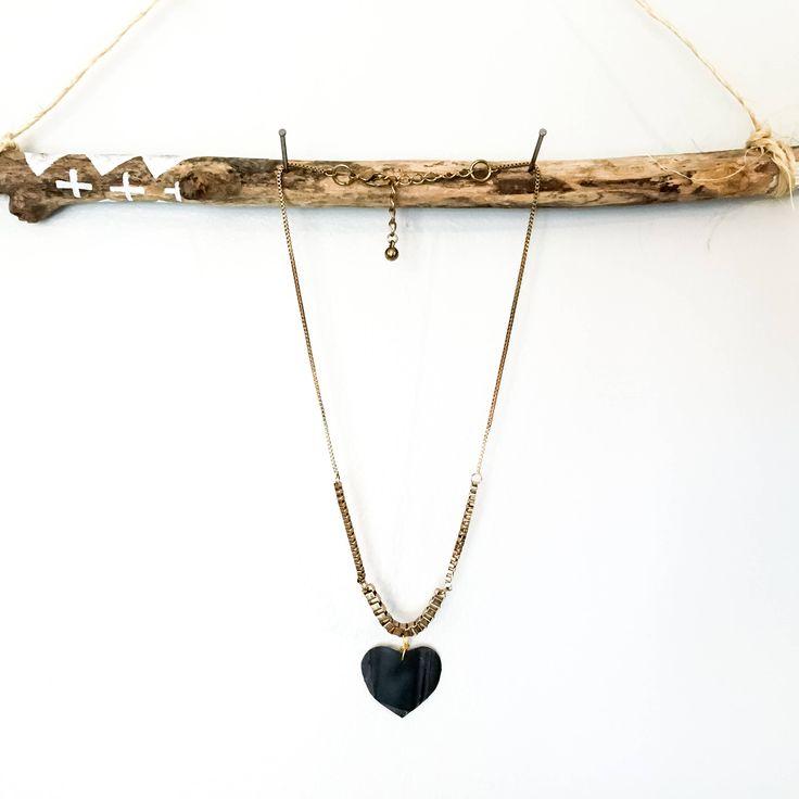 Collier chaîne couleur or avec pendentif en coeur