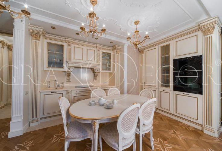 Деревянная отделка кухни и шкафов для спальни и холла в стиле классицизм   grandecor.ru