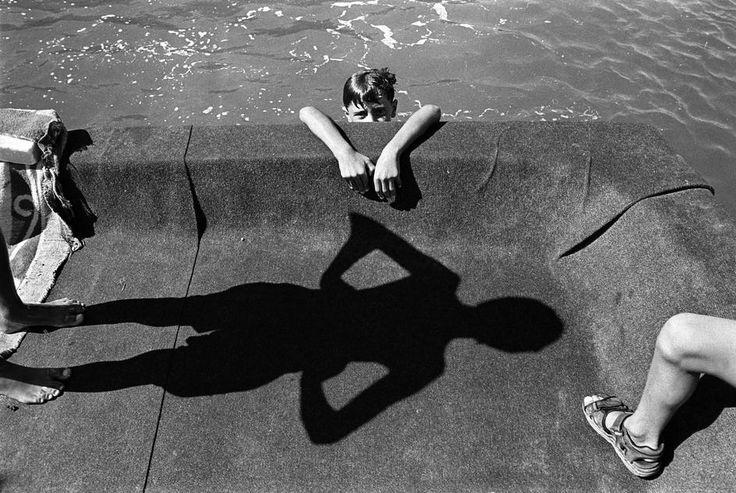 Nikos Economopoulos Kastro village. Children diving in the harbour, 1998 Thanks to wonderfulambiguity
