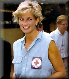 January 14, 1997: Diana, Princess of Wales at an orthopedic center in Luanda, Angola.