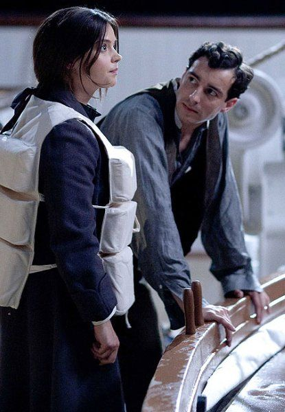 Jenna Coleman films new scenes for series three of