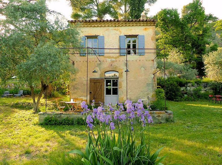 Le Bastidon - Holiday Cottage in Luberon - Lourmarin - Luberonweb Charming cottage with pool for 2 people in the Luberon
