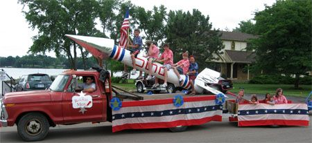rocket fourth of july float & other great 4th float ideas!