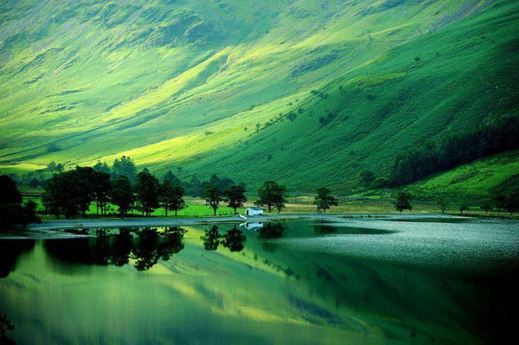イギリスの湖水地方にあるバターミア湖は