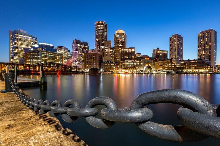 Boston, Massachusetts skyline at dusk