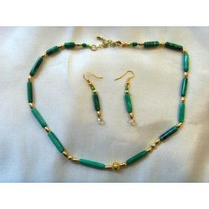 Malachite and gold bead necklace, 45cm