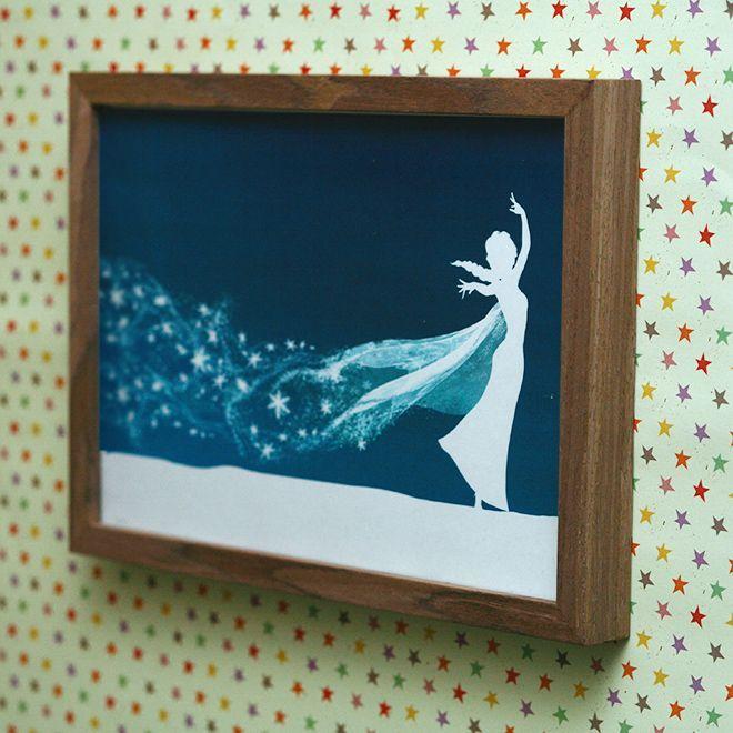 Schultüte in dunkelblau, Elsa als Schattenschnitt (?), Tüllkleid, weiße Eiskristalle, Name