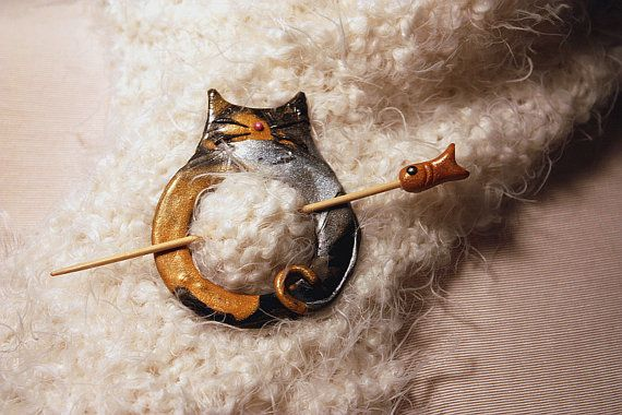 Fat Cat Calico Shawl Pin Polymer Clay This is SO cute