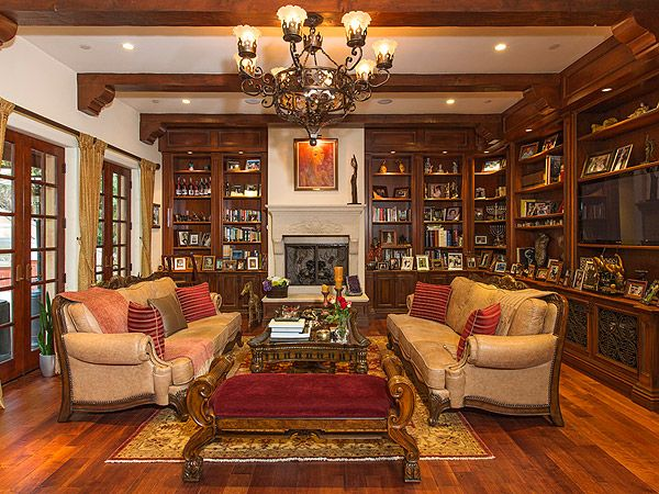 Sofia Vergara Drops $10.6 Million on Beverly Hills Home| Sofia Vergara