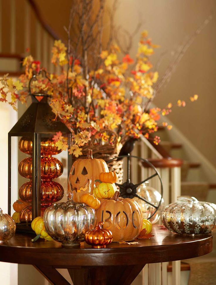 create a halloween vignette in your entryway - Halloween Decoration Pictures