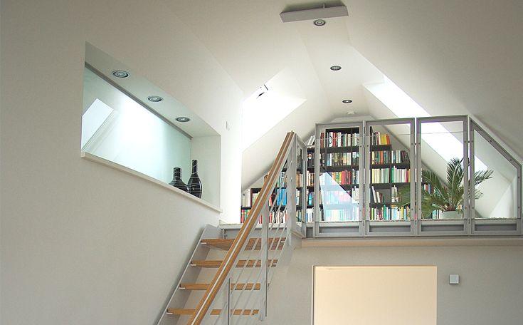 Oltre 25 fantastiche idee su soffitta mansarda su for Piani portici anteriori