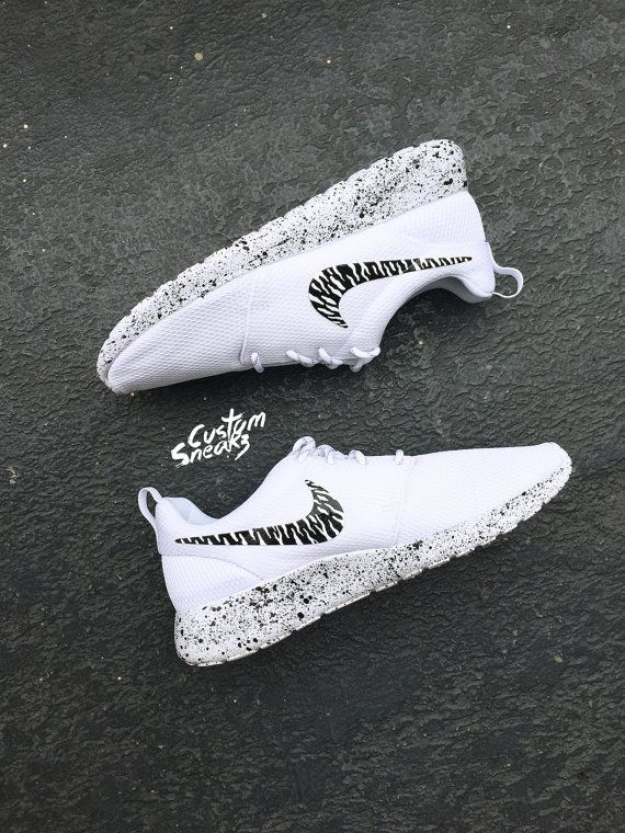 custom roshe oreo design, womens Nike Custom Roshes, Oreo, black and white