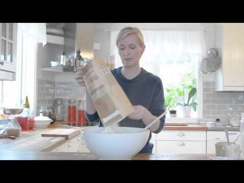 Surdeigsstarter og surdeigsbrød med Gry Hammer - YouTube