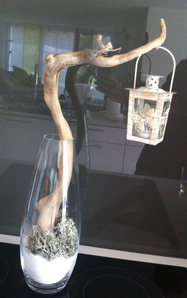 Treibholz im Glas mit Windlicht weiss