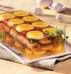 Oua in aspic o reteta deosebita pentru a gati intr-un mod diferit mancaruri cu oua, recomandata si pentru masa de Paste