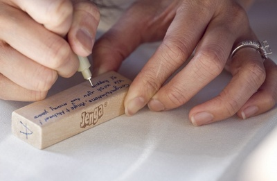 Love this idea for a guest book! Writing on Jenga pieces. Great for a birthday party of someone who loves games!