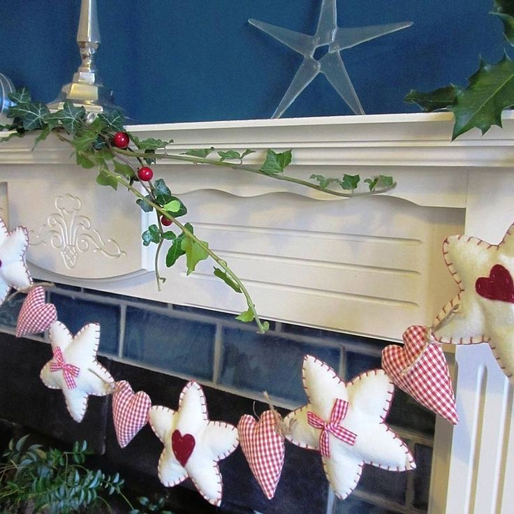 Felt And Gingham Christmas Garland. Nx