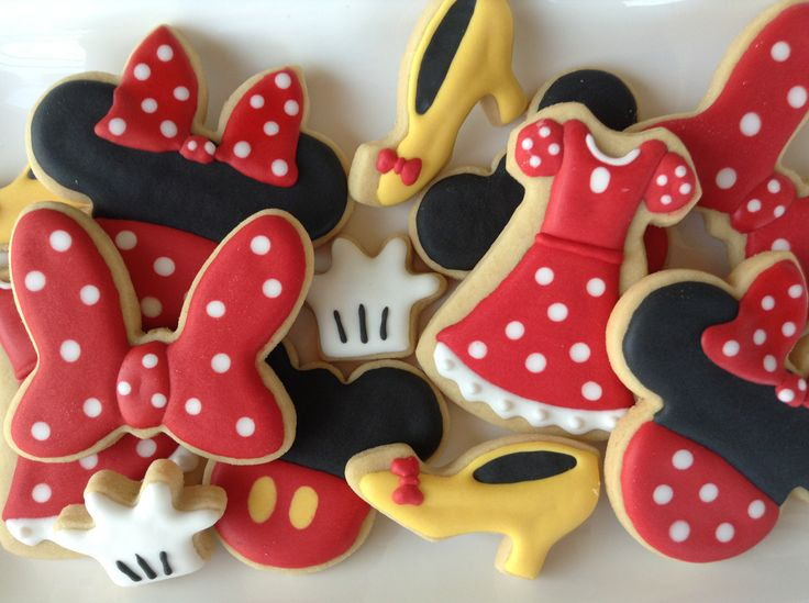 Minnie MouseCookies~ cookies, biscoitos decorados   by Cookie Design, red white polka dot, view, dress, mouse ears, Yellow heels, white glove
