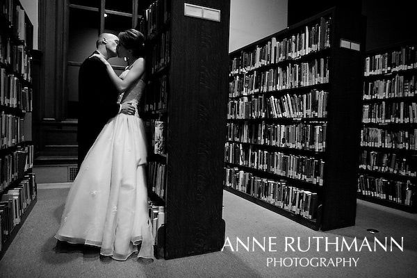 Foto di Anne Ruthmann alla Detroit Public Library.
