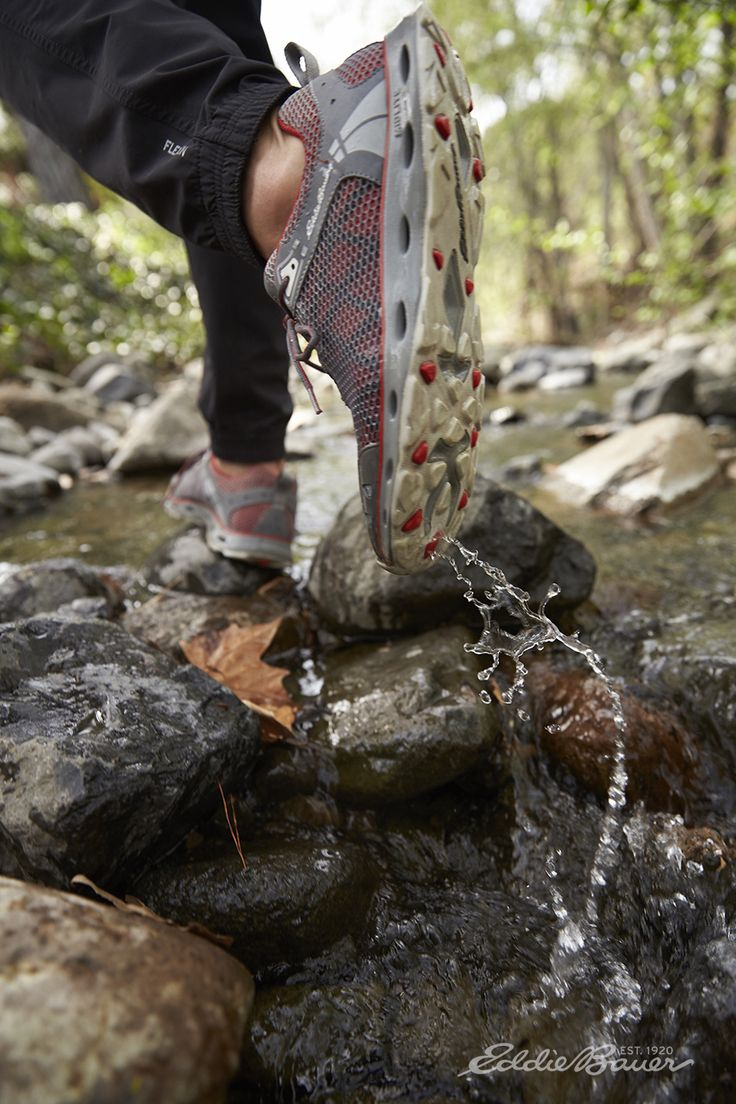 Adventure footwear for land and water, with superior breathability and drainage. Great for hiking, kayaking, cross-training, or beachcombing, the Flash Amphib is built to deliver maximum performance and comfort while maintaining an exceptionally light weight.
