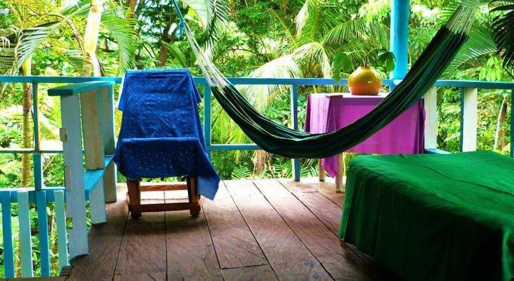 """Capurganá - Karibisches Paradies in der Region Chocò Nach über 1,5 Jahren habe ich es endlich nach Capurganá geschafft.Capurganá  ist eine kleine entspannte Stadt an der karibischen Küste in der Region Choco an der Grenze zu Panama. Das kleine Dorf in der Gemeinde Acandi, eignet sich perfekt um ein paar Tage auszuspannen. Capurganá heißt in der Sprache der Kuna Indianer """"Land des Chilis"""" . Die Kuna bewohnten die Gegend bis zum 20sten Jahrhundert bevor Sie nach Panama auf die Inselgruppe San…"""