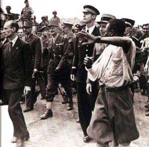"""Et voici l'histoire de Georges Dukson , les membres de forty four reconnaitrons l'article .Georges Dukson le :"""" lion du 17ème""""Georges Dukson était un africain âgé de 22 ans en 1944 .Son père, ancien combattant de la Grande Guerre, est instituteur au Gabon. Georges s'est engagé dans l'Armée française en 1939; nommé sergent, il rejoint la France et participe à la campagne de 1940 .Il est fait prisonnier et est envoyé en Allemagne .Il parvient à s'évader en 1943 avec un camarade et rejoint…"""
