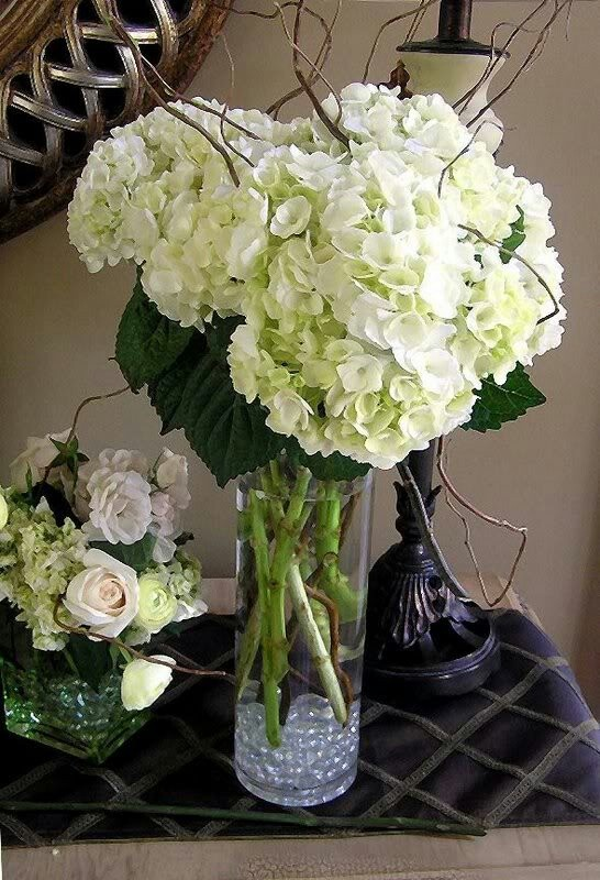Hydrangea centerpiece great minus bubble at the bottom