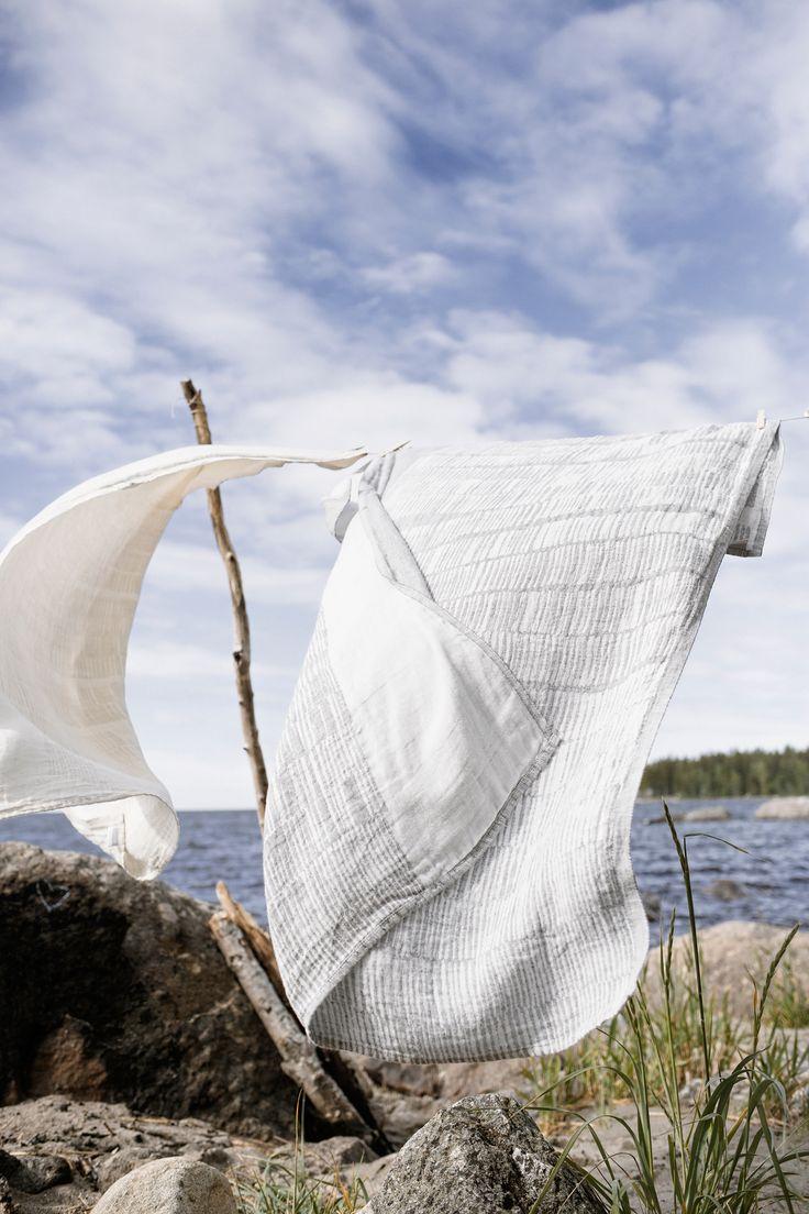 UITTO towel in 100% washed linen. Design Reeta Ek.