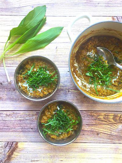 Medvehagymás vöröslencse curry | Chili és Vanília