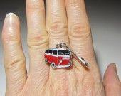 Bague Volkswagen car combi ww bus rouge clé femme homme ado enfant : Bague par sylviane-bijoux