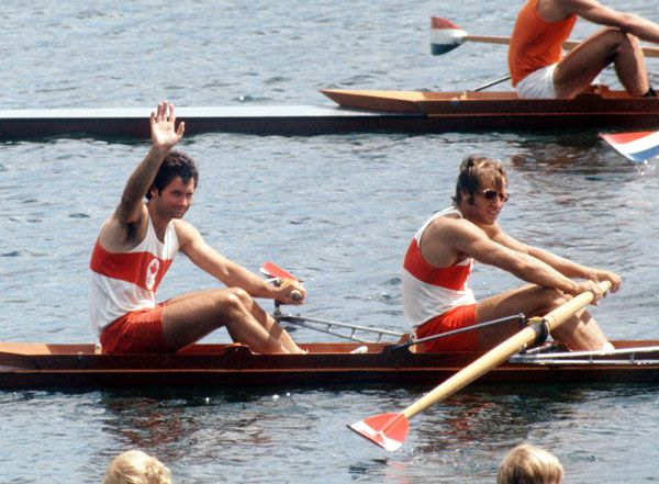 Brian Love et Michael Neary du Canada participent à l'épreuve du deux d'aviron aux Jeux olympiques de Montréal de 1976. (Photo PC/AOC)