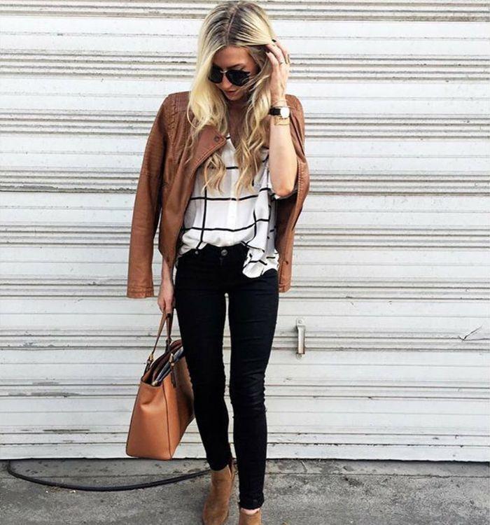 Какое неоспоримое преимущество черного и белого? Правильно, это самые универсальные цвета, с которыми сочетаются практически все другие. Черные джинсы и белая рубашка – идеальная основа любого образа, к которой можно добавлять всё, чего ваша душа пожелает… Подобрать себе черные джинсы разных силуэтов вы сможете в JiST, ул. Саксаганского 65. #fashionable #outfitidea: #stylish #black #jeans create a #chic #fall #outfit #мода #стиль #тренды #джинсы #модно #стильно #осень #киев #JiST