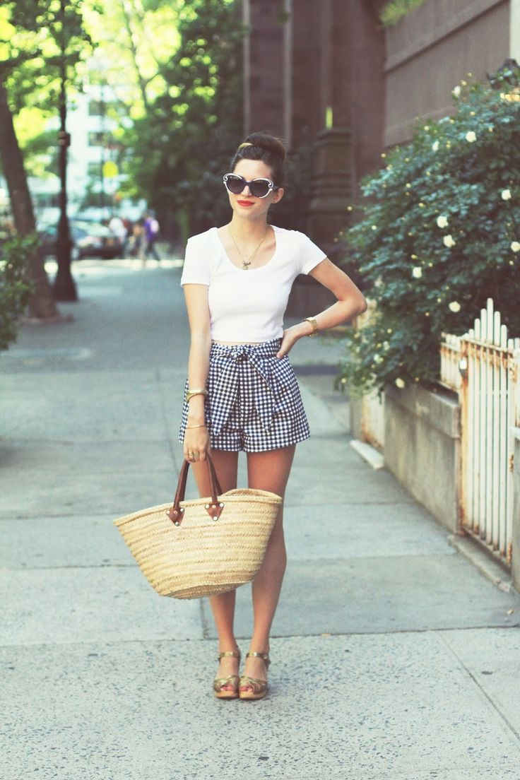 Emilee Anne wearing American Apparel Crop Top // Zara Gingham Shorts // Swedish Hasbeens Sandals // Prada Sunglasses // L'Occitane Straw Tote