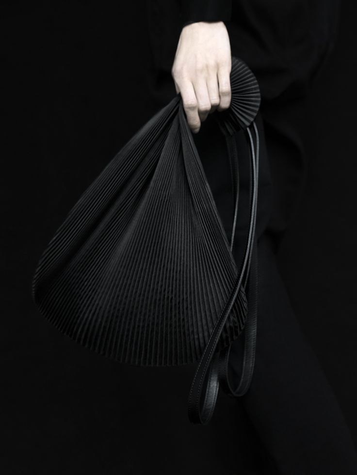 www.slavavarsovia.com #slavavarsovia #bags #minimalism