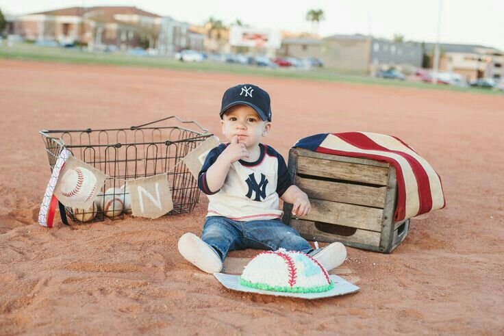 Cubs Themed Max S 1st Bday Shoot In 2019 Baseball