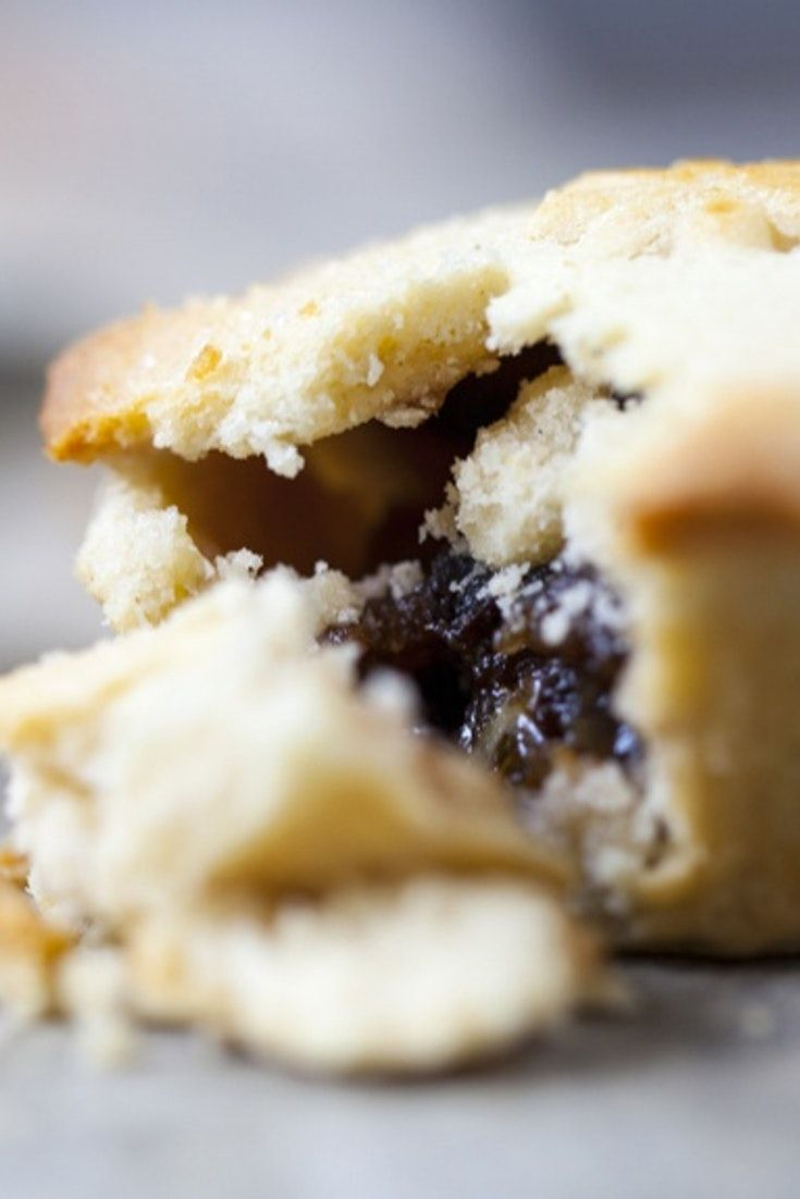 An easy Christmas recipe for making homemade mince pies - go on, give it a go!