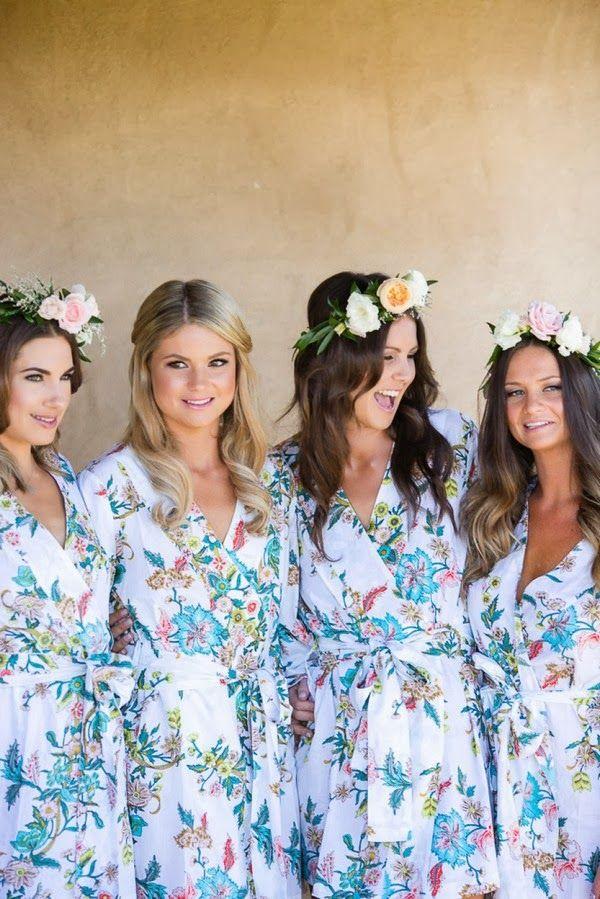 Noiva e madrinhas de robe estampado