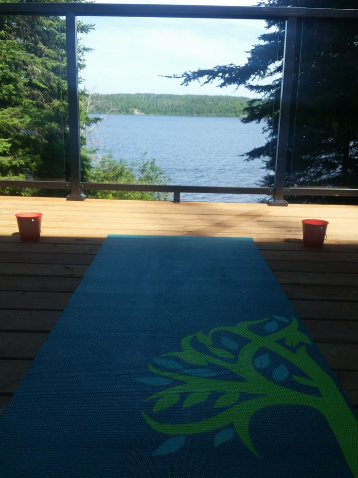 How to stick to a yoga routine while on vacation: 5 easy ways! #yoga #travel