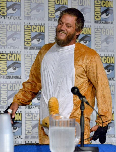 Travis Fimmel Photos - Actor Travis Fimmel attends the