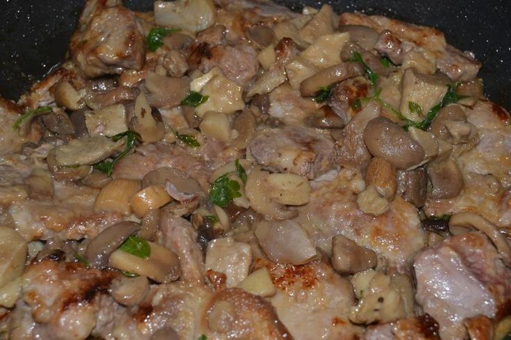 Bocconcini di maiale con i funghi